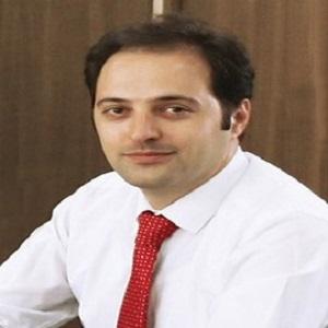 آقای فرهاد حلاجی - مدیر مالی